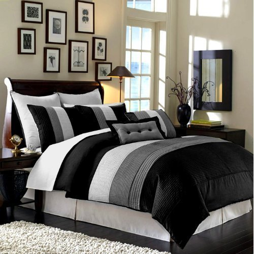 104 x 92-Inch 8-Piece Luxury Stripe Comforter Bed-in-a-Bag Set King Size Bedroom