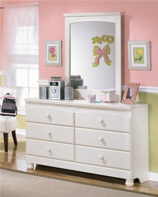 Signature Design by Ashley Cottage Retreat Collection Dresser Cream Cottage