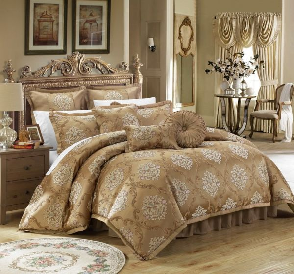 Chic Home Aubrey Decorator Upholstery Quality Jacquard Scroll Fabric Bedroom Comforter Set & Pillows Ensemble for Master Bedroom Sets