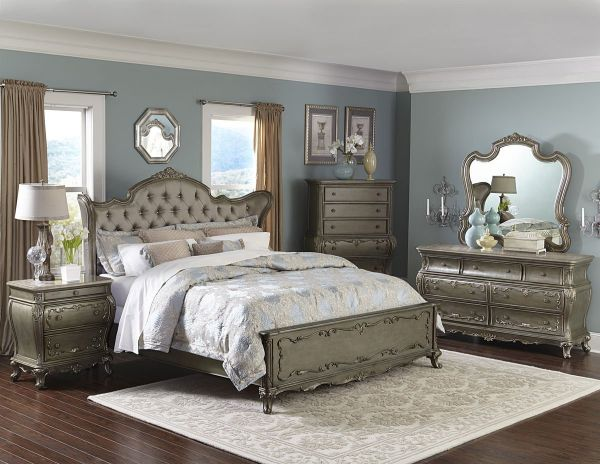 arah 4 Piece California King in Rich Silver Bedroom Furniture Sets with Gold Underton finish