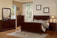 Poundex Louis Phillipe Bedroom Set Featuring French Style Sleigh Platform Bed and Matching Case Goods, Queen, Cherry
