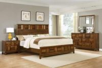 Roundhill Furniture Calais Solid Wood Construction Bedroom Set with Bed, Dresser, Mirror, Night Stand, Queen, Walnut