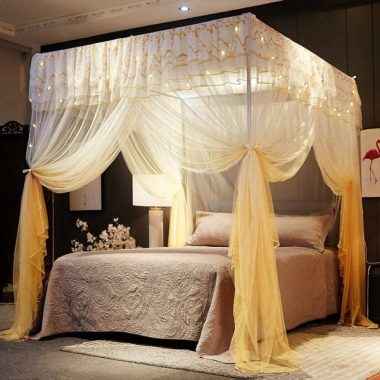 Mengersi 4 Corner Poster Princess Bed Curtain Canopy Canopies for Girls Boys Adults Bed Gift Bedroom Decoration Accessories (Queen, Gold)